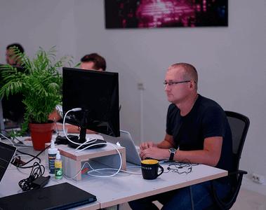 Vareger CEO Oleg Pun working in office