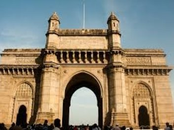 famous places in mumbai