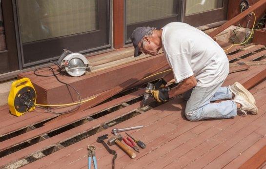 Southern Highlands Deck Builder constructing a new deck